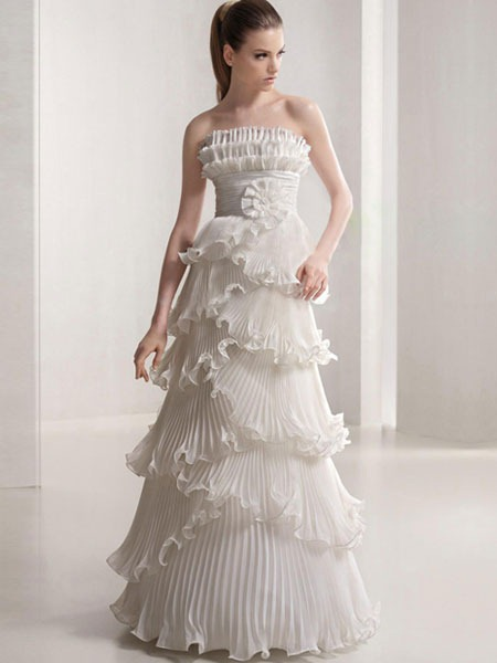 To Tell The Truth You Can Not Find A Winter Wedding Dress As Easy Getting One For Summer Season Probably Because Many People Choose This Time