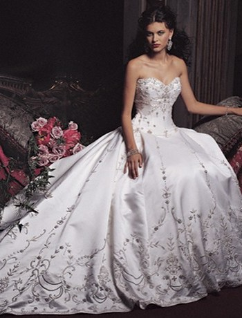 Dress Designer Online on Ball Gown Wedding Dress Come In Different Styles And Sizes  Colors And